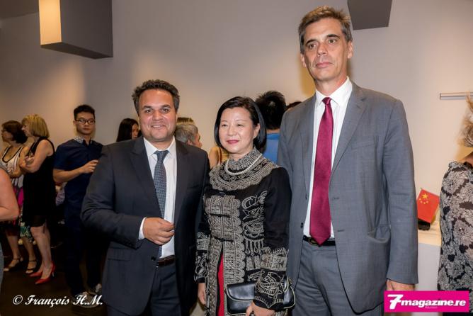 Didier Robert, président de la Région, Guo Wei, Consule Générale de la République Populaire de Chine, et Dominique Sorain, Préfet de La Réunion