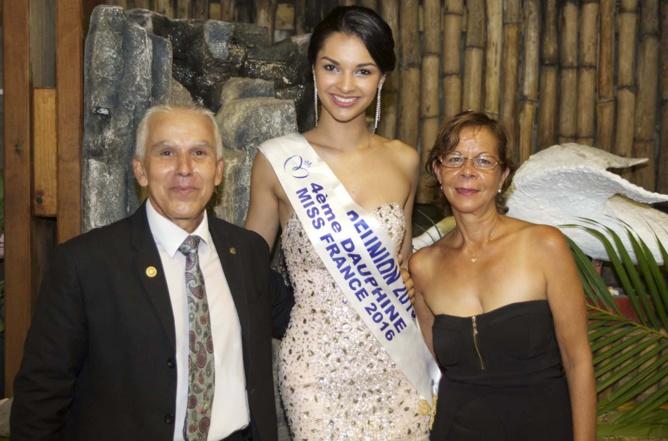 Jean-Pierre Hoarau, président du Rotary Club Saint-Pierre/Le Tampon, et sa compagne Marie Lyne, avec Azuima Issa