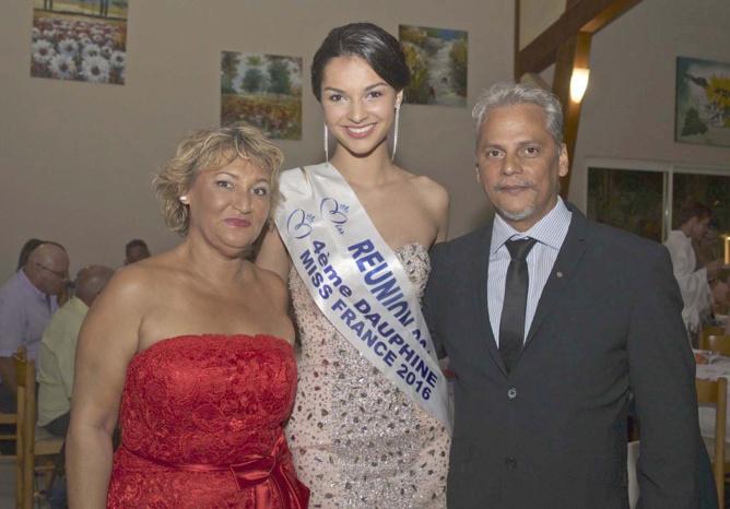 Azuima Issa, avec Félix Manent, membre du RC Saint-Pierre/Le Tampon, et son épouse Dominique