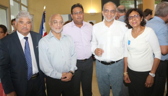 Issop Moullan, Houssen Amode, Salim Doba, Iqbal Ingar et Tayeba Moullan