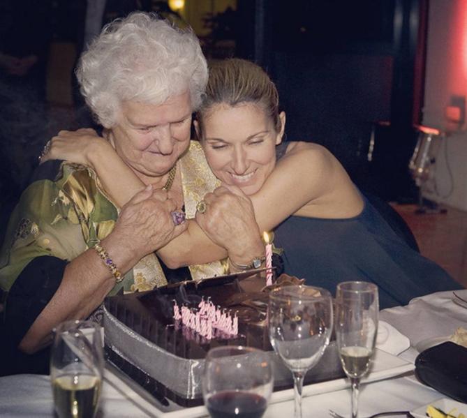 Céline Dion se raccroche à sa mère