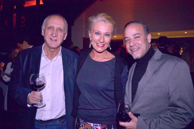 Jean-Pierre, Catherine, et un agent Elite