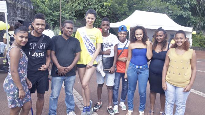 La photo-souvenir avec Miss Réunion, incontournable!