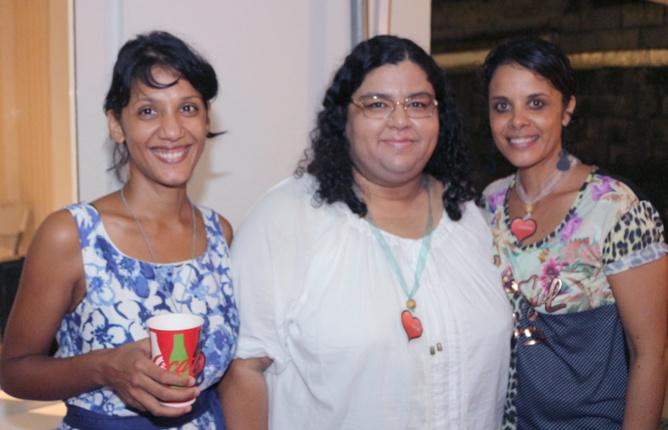 Valérie Clain, psychologue, Sarah Akhoun, secrétaire, et Sandrine Douanier éducatrice spécialisée