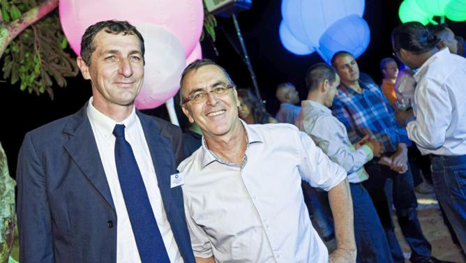 Laurent Lecocq, Président Directeur Général Teralta Granulat Béton Réunion, Daniel Duvaut, direction des opérations et travaux au Grand Port Maritime.