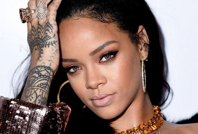 Rihanna totalement nue dans son dernier clip