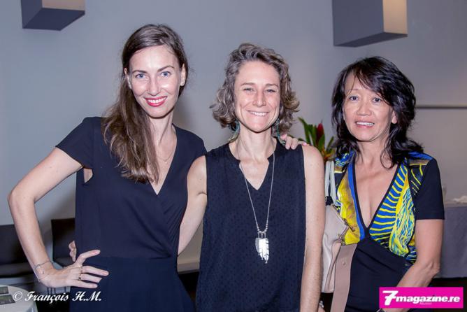 Carole Jouan, responsable commercial du Mercure Créolia, Karine Bonnal d'Air Austral, et Eva Doan-Dé de Canal+