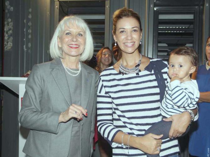 Isabelle Lemarchand et Sonia Payet-Marello, professeure au Lycée Roland Garros et sa fille