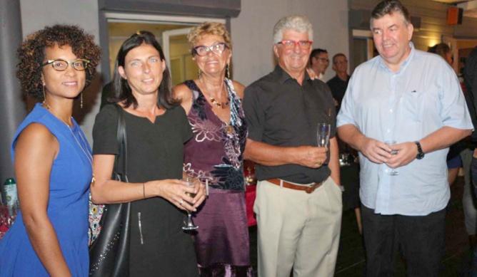 Géraldine Drula, directrice de la communication Orange Réunion/Mayotte, Cécile Chiappini de la BNP, Mr et Mme Saout, et Roland Le Carff