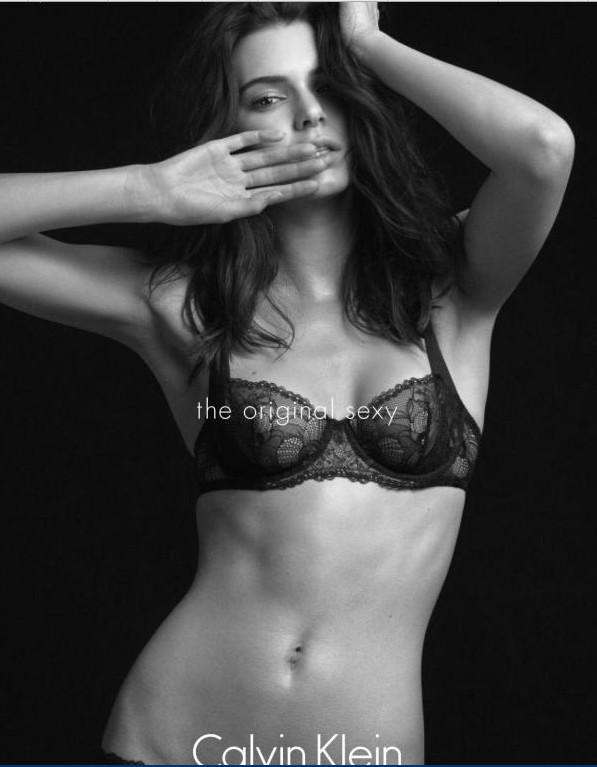 Calvin Klein critique son égérie Kendall Jenner
