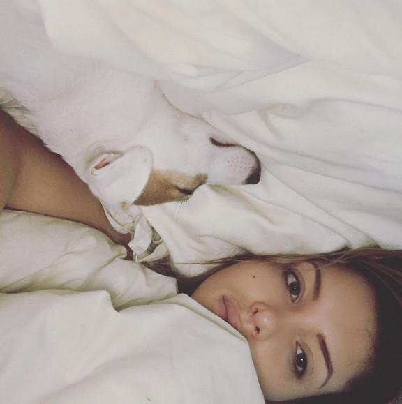 Nabilla sans fard au réveil