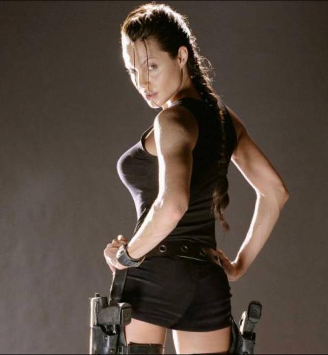 Succéder à la sexy Angelina n'est pas chose aisée, gageons qu'Alicia y parviendra!
