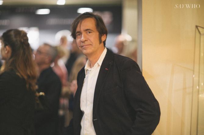 """Thierry Samitier qui joue dans """"Nos chers voisins"""""""