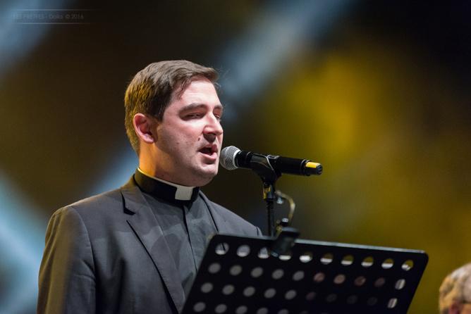 Les Prêtres en concert<br>Les photos et une vidéo