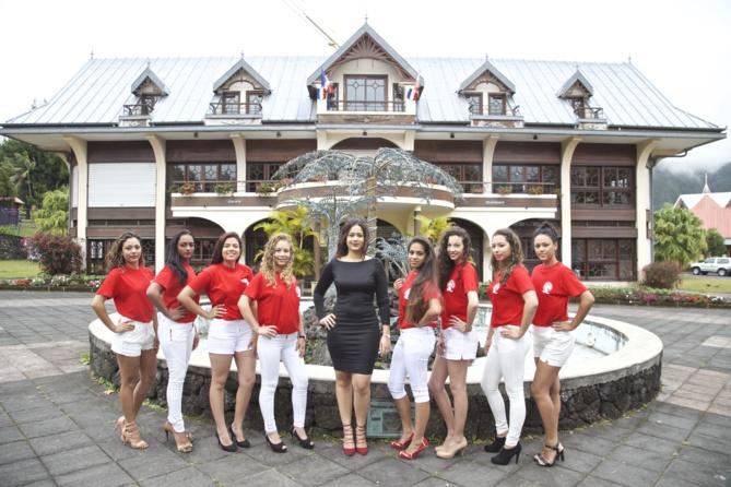 La photo de groupe avec Magali Faustin, Miss Plaine des Palmistes 2015 (une candidate était absente lors de cette séance photo)