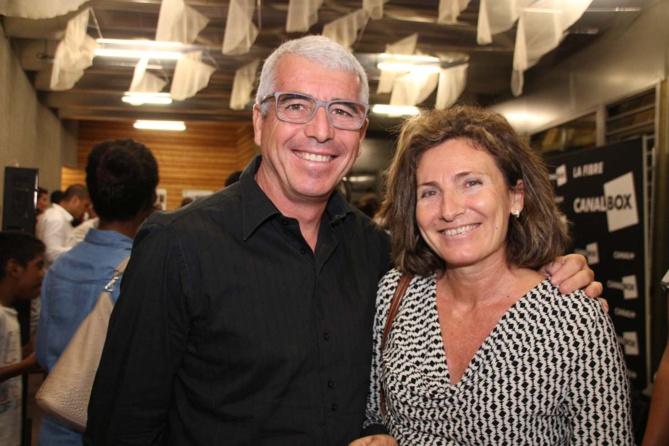 James Caratini, directeur de Sciences Réunion, et une invitée