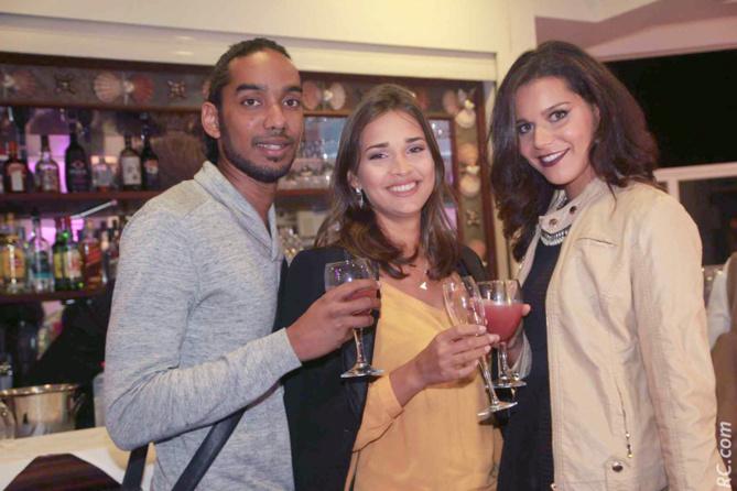 Hadjee Potonié, Anne-Gaëlle Laterrière, 1ère dauphine Miss Réunion 2015, et Vanille M'Doihoma, Miss Réunion 2014