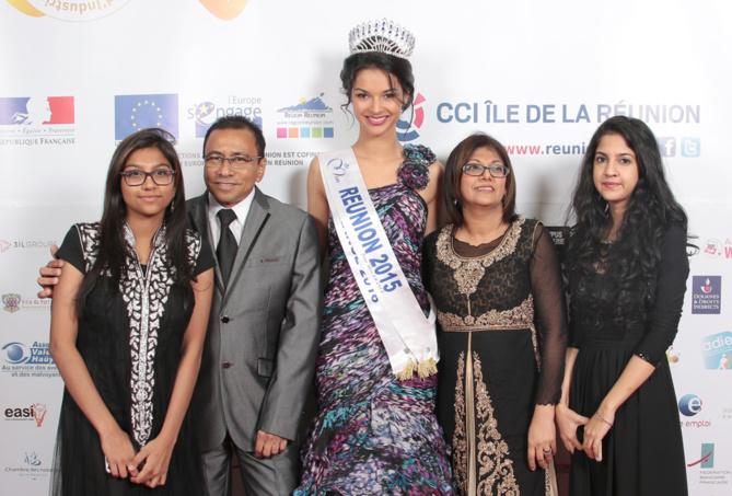 Ibrahim Patel, son épouse Rhajia, et leurs filles Yamine et Oumeirha, avec Azuima Issa