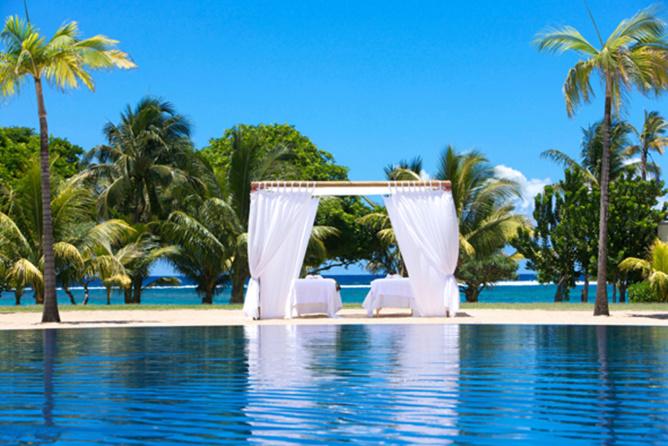 """Un endroit magique pour un mariage inoubliable, entre piscine et océan.Les nouveaux mariés peuvent """"se jeter à l'eau""""!"""