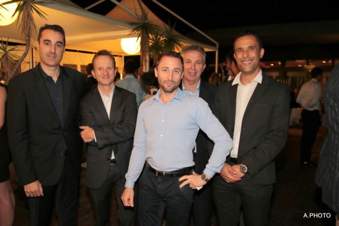Laurent Angilella, directeur Ecore, Mr Debard, directeur Ferebam, Ludovic Chauvin, chef des ventes VN Automobiles Réunion, Michel Amalric, directeur Automobiles Réunion, et Mehdi Berrekama, directeur Iveco