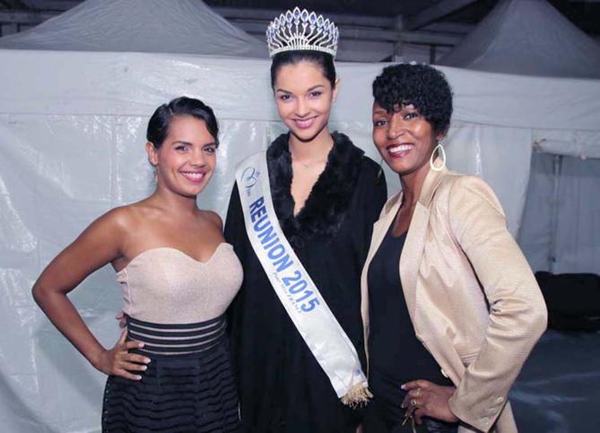 Azuima Issa avec deux artistes de la soirée