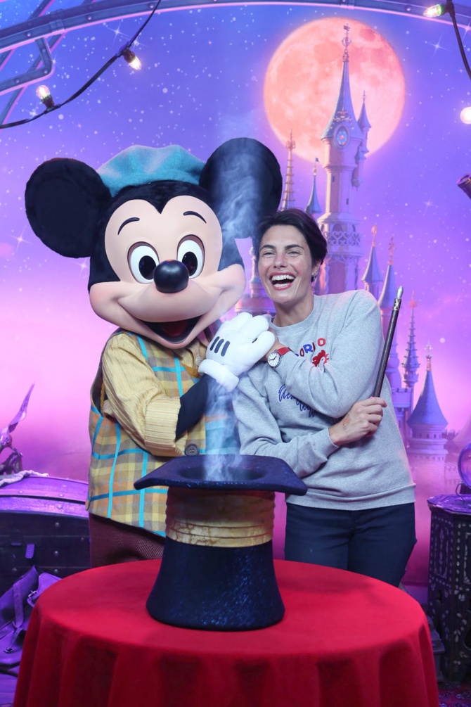 Quand Mickey séduit Alessandra Sublet!