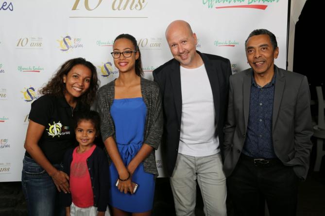 La marraine et le parrain avec Patrice Peta, directeur du Palm Hotel, et ses deux filles