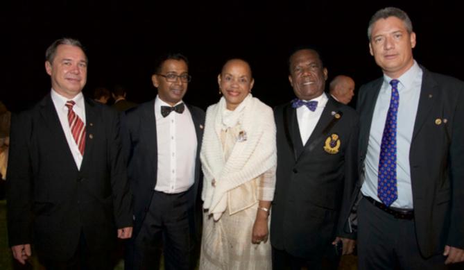 Ludgé Ethève, ancien président, Dominique Pota, nouveau gouverneur, Maryline Plantier, Armel Boulère, ADG Sud, et Daniel Gauvin, nouveau président
