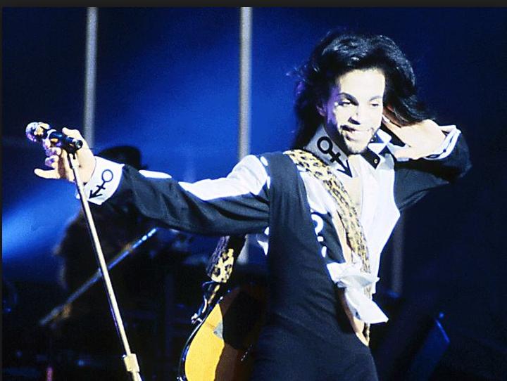 Décès de Prince : des pilules de contrefaçon suspectées
