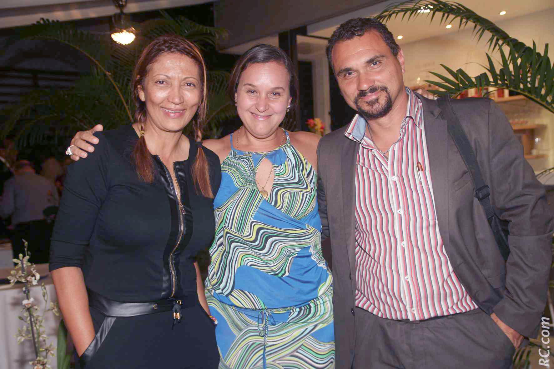 Javel Dijoux, organisateur de voyage, Anita Thiebert,  et Brigitte Carpanatale, respectivement agent d'escale et Chef de Service au Syndicat Mixte de Pierrefonds