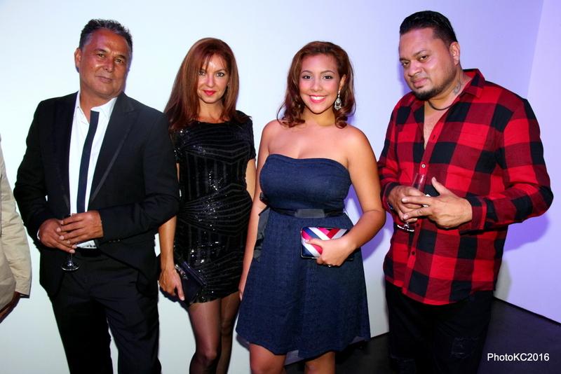 Denis Vergos avec sa compagne Nadine et sa nièce et Alain Ramanisum chanteur
