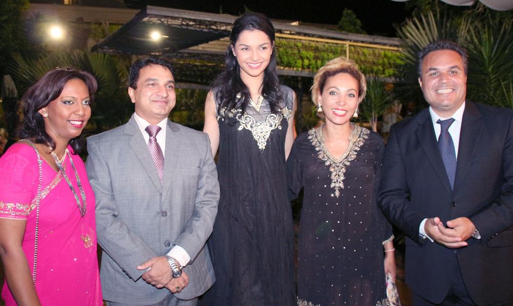 Lynda Savaranin, Sanjeev Bhati, Consul Général de l'Inde, Azuima Issa, Corine et Didier Robert, président de la Région