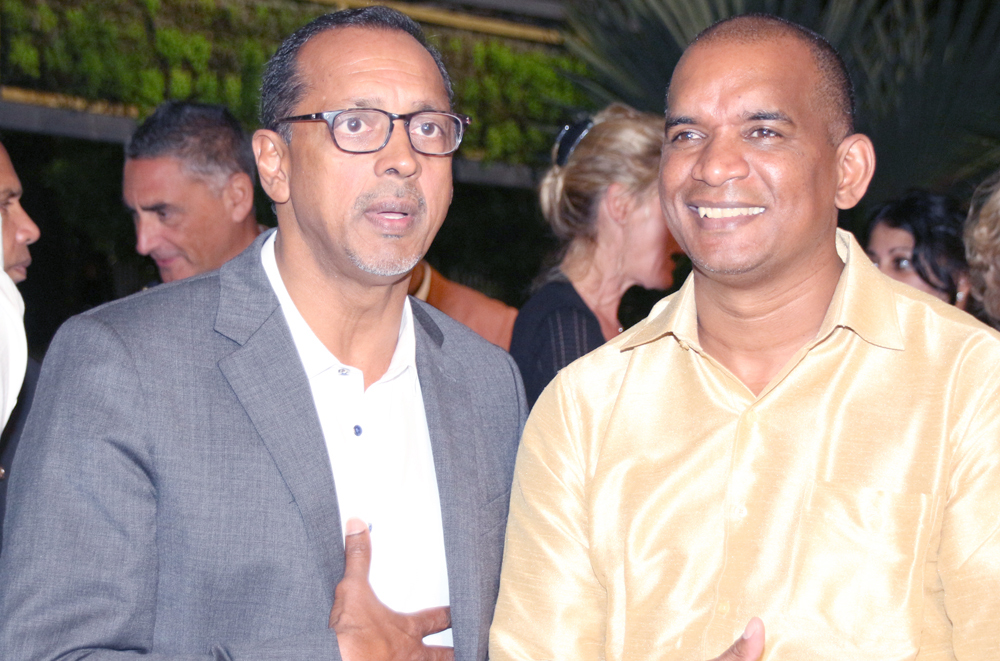 Joël Narayanin et un invité