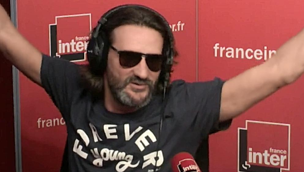 Frédéric Beigbeder débarque ivre à la radio