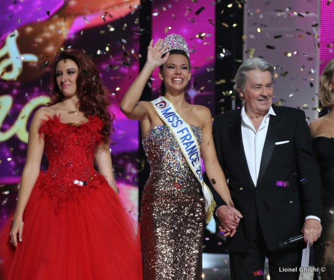 Miss France 2013 désespérée: elle s'est fait voler son diadème