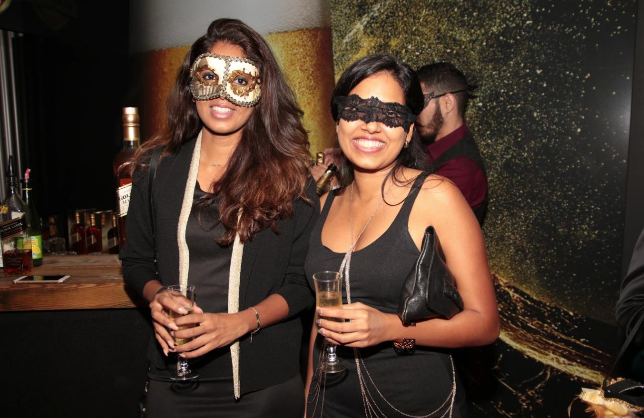 Parcours de Femmes: une première soirée dorée et masquée