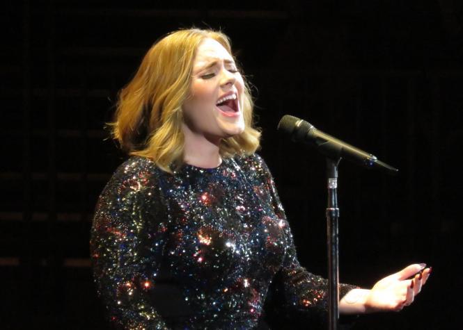 Adele: un hommage au génie de Amy Winehouse