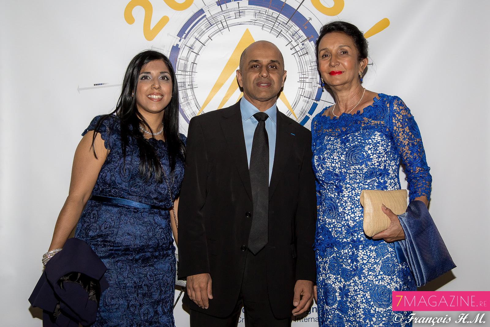 Amina et Abdoullah Lala avec Huguette Bello