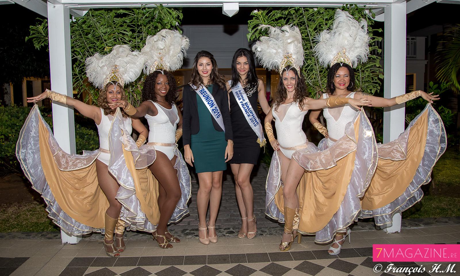La troupe brésilienne de la soirée avec les Miss Réunion