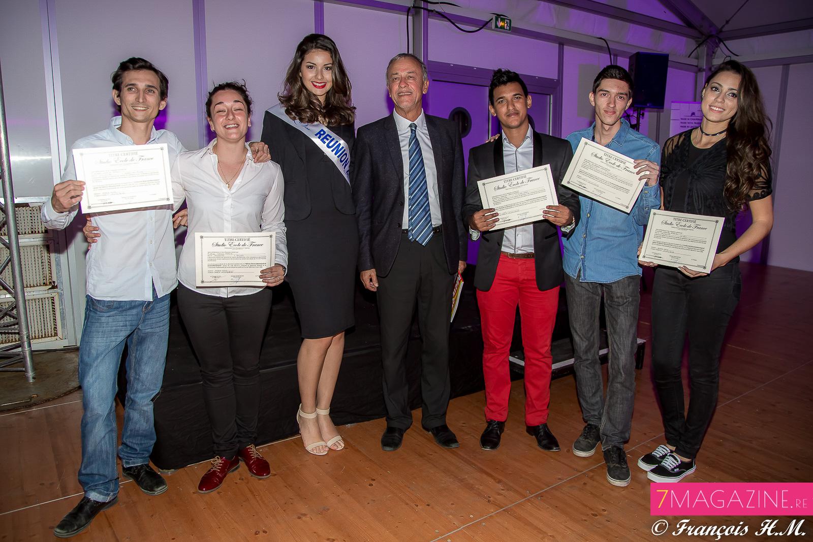 Les lauréats avec Miss Réunion et Mario Lechat, président du SPAR