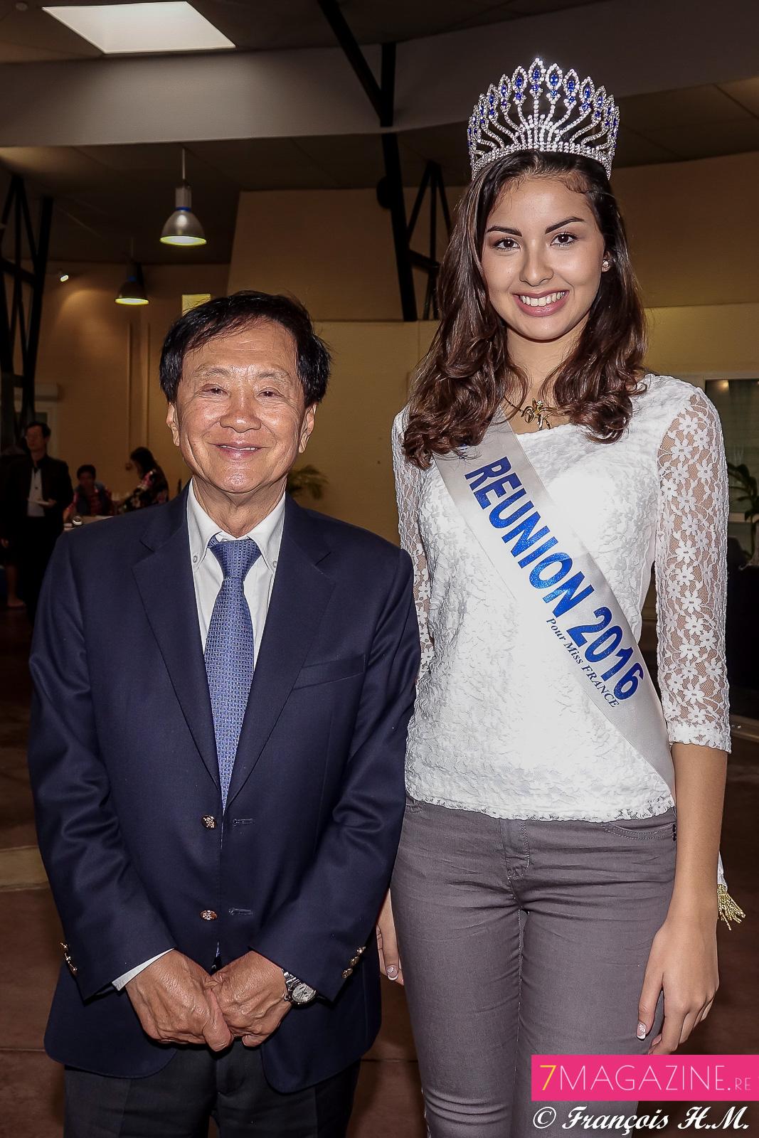 André Thien Ah-Koon, maire du Tampon, et Ambre N'guyen, Miss Réunion 2016