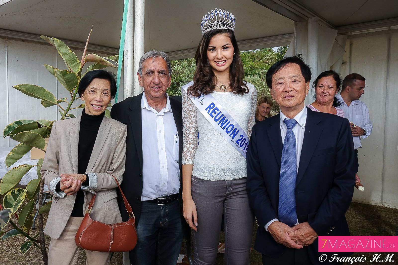 Reine-Marie et André Thien Ah Koon avec Aziz Patel et Ambre N'guyen