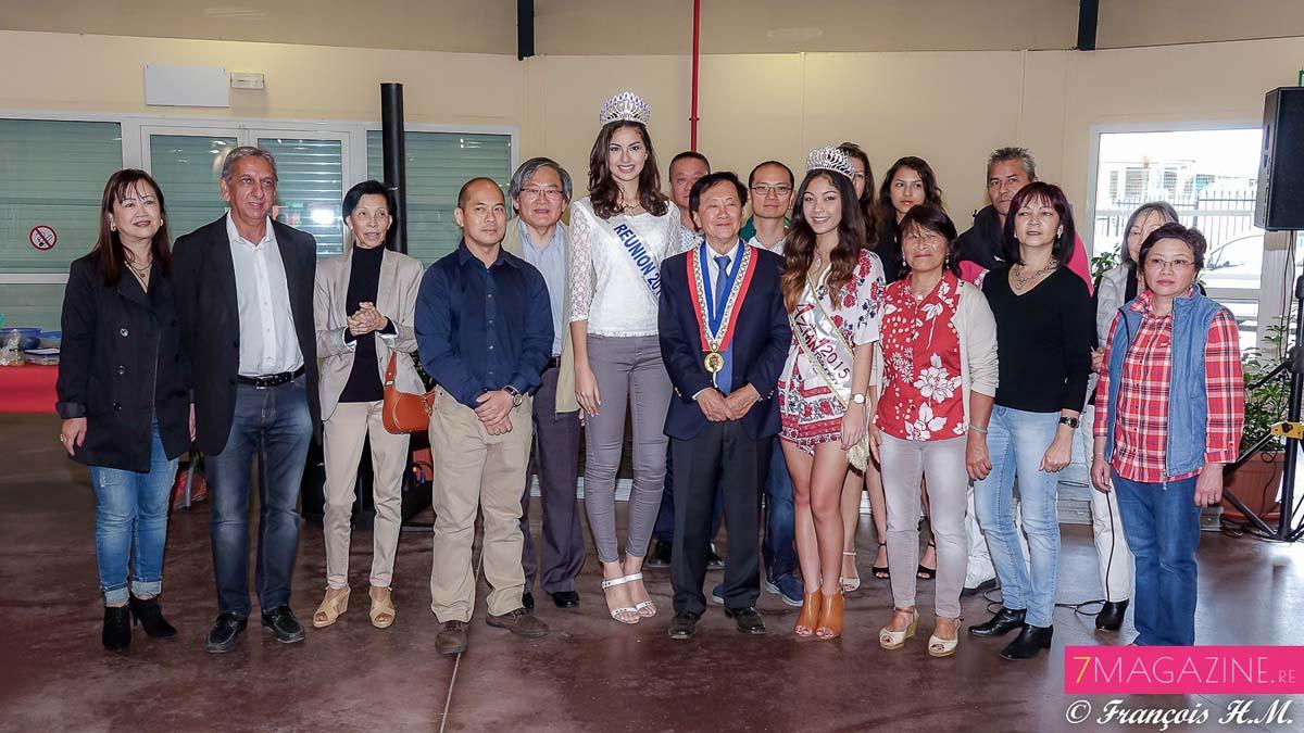 Aux Grands Kiosques avec le maire et les membres de l'Association Réunion Chine