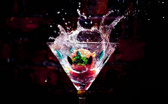 Alcosynth : cet alcool de synthèse promet l'ivresse sans gueule de bois