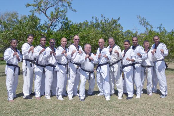 L'équipe d'encadrement de ce regroupement du Taekwondo Club du Sud