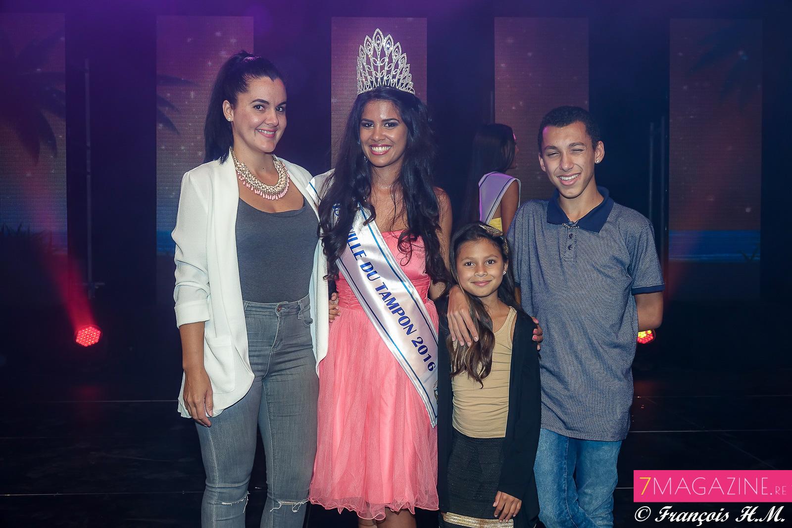 Vâni et sa famille