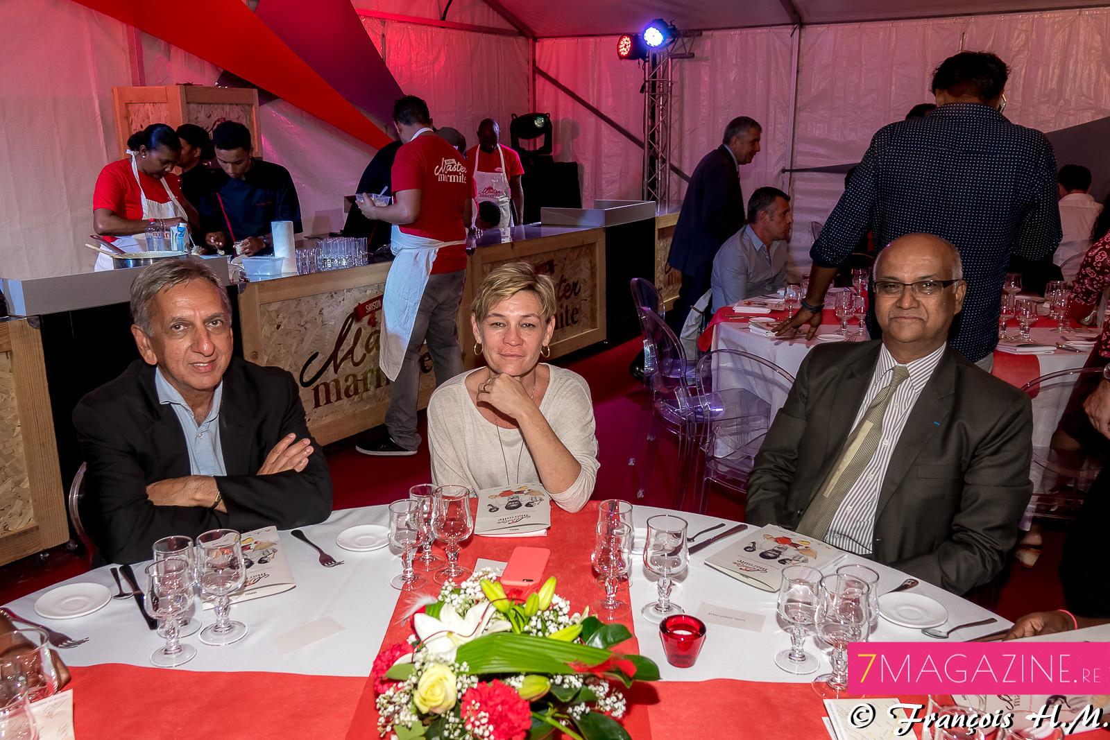 Aziz Patel, délégué Miss France, Anne Séry, secrétaire général de la SHLMR, et Marie-Joseph Malé, président d'Air Austral