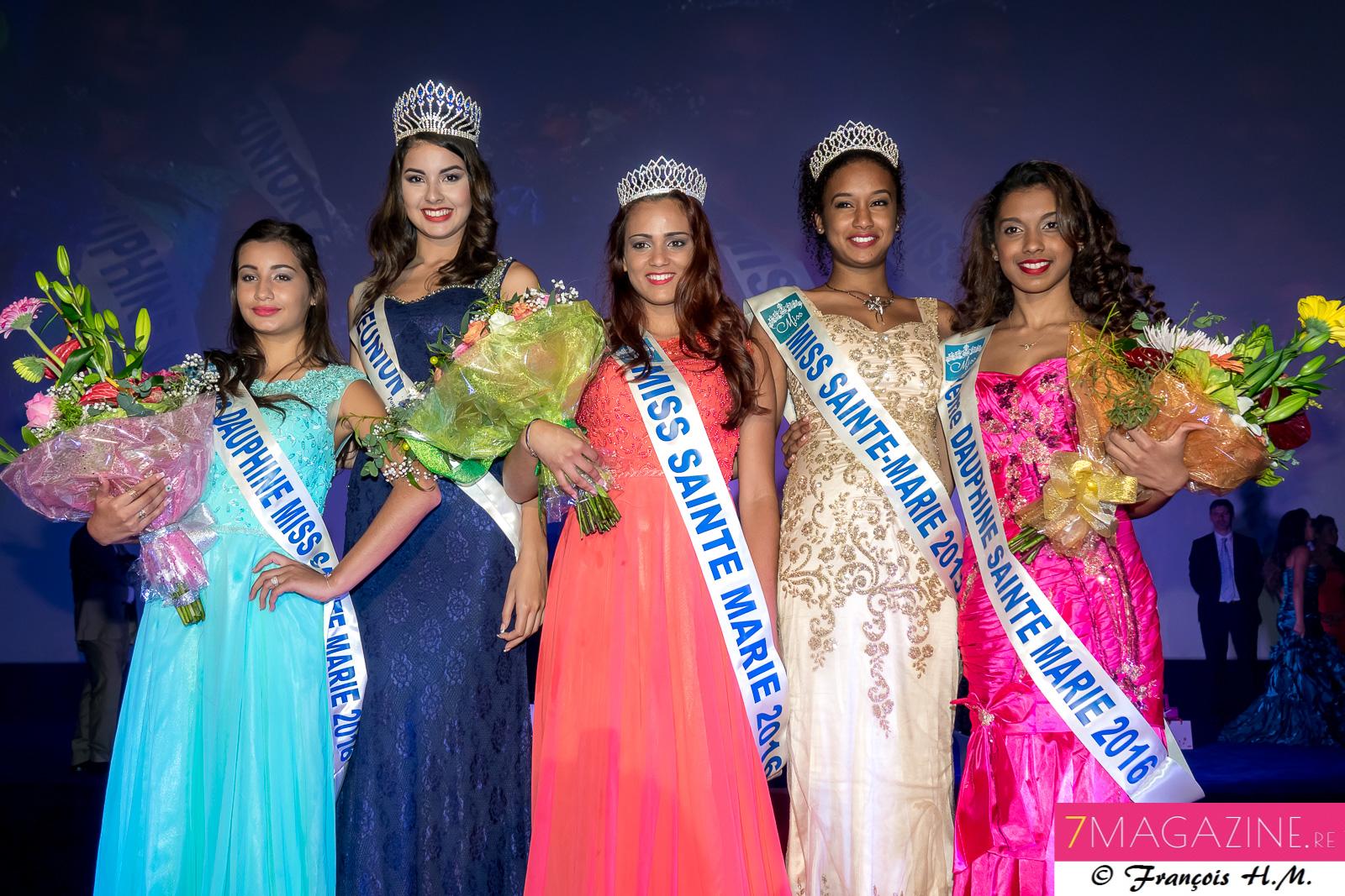 Les lauréates avec Ambre N'guyen, Miss Réunion 2016, et Audrey Lebon, Miss Sainte-Marie 2015