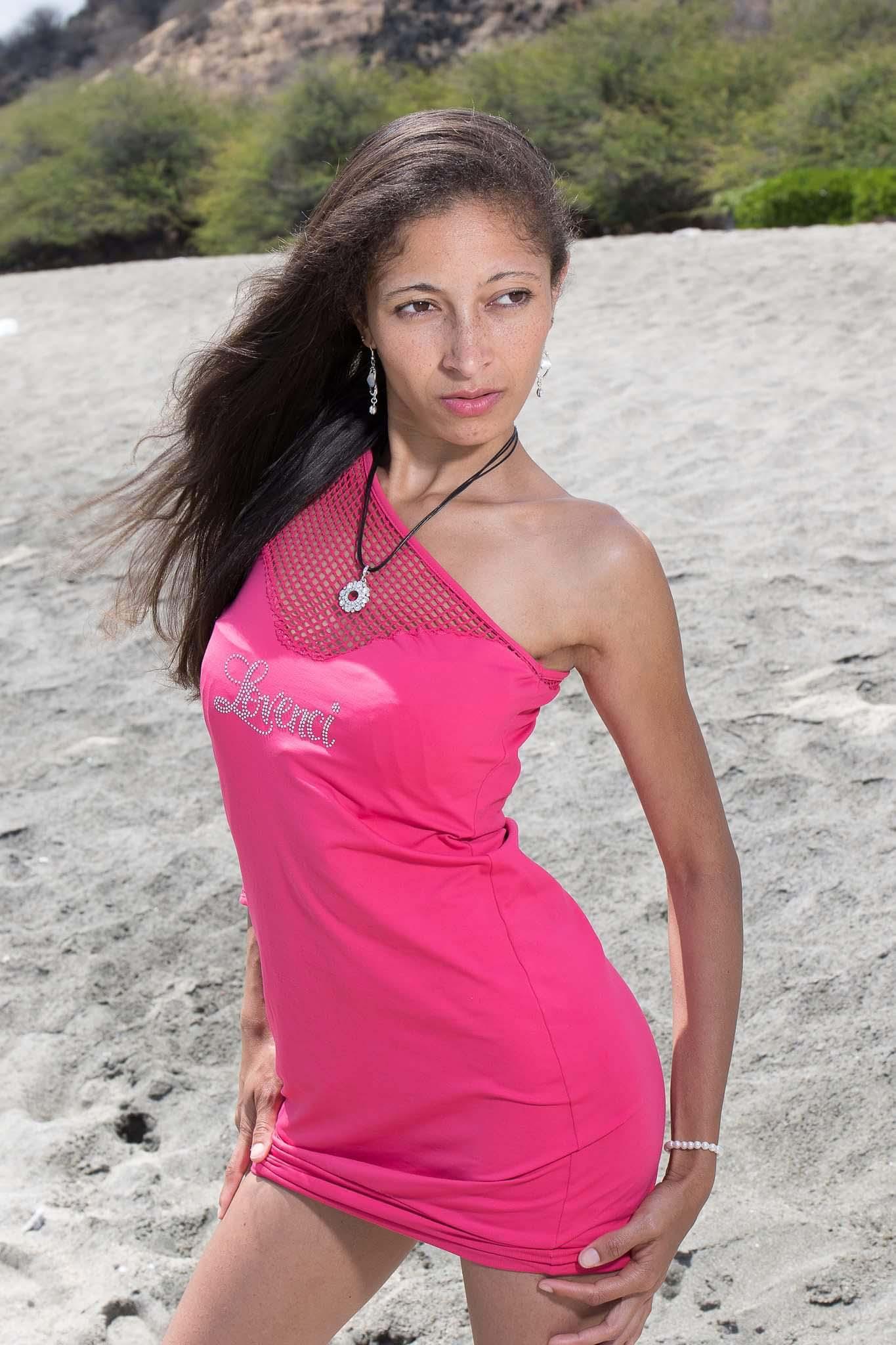 Laetitia Montegu: elle n'a pas froid aux yeux!