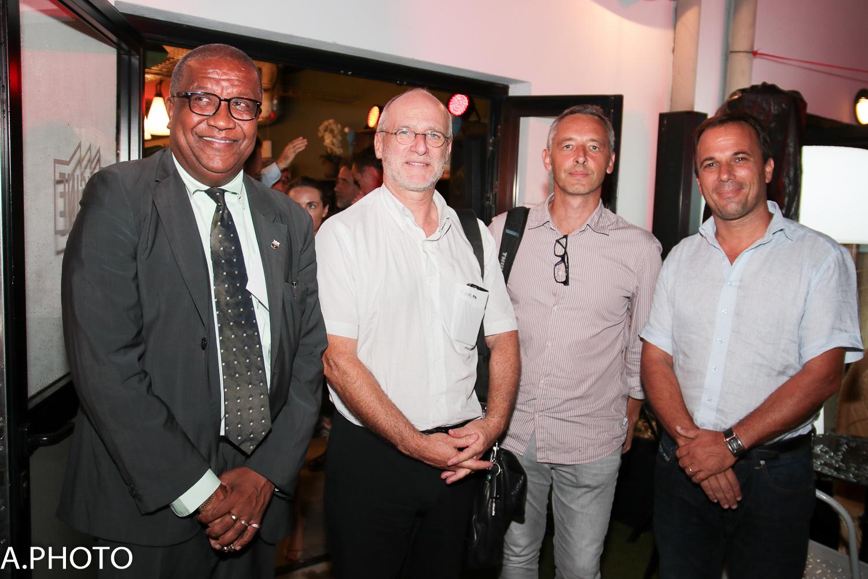 Jocelyn Trulès, adjoint au maire de Sainte-Marie (à gauche), était présent pour l'inauguration...